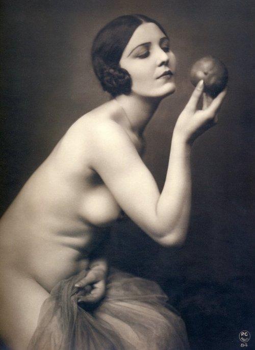 1930's Lady with Squidge