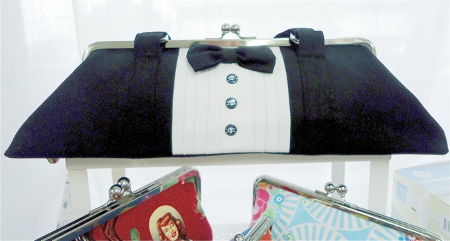 Tuxedo Bag Voodoo Rabbit | 3 Hours Past