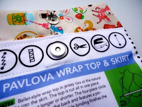 Magnetic Button Detail   Organic Cotton Sateen Envelope kits
